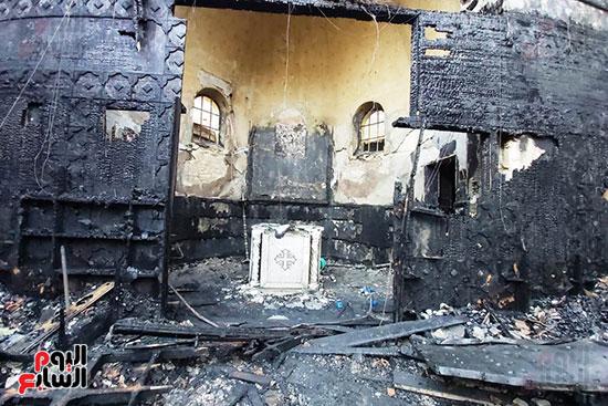 الحريق-يقضى-على-الكنيسة