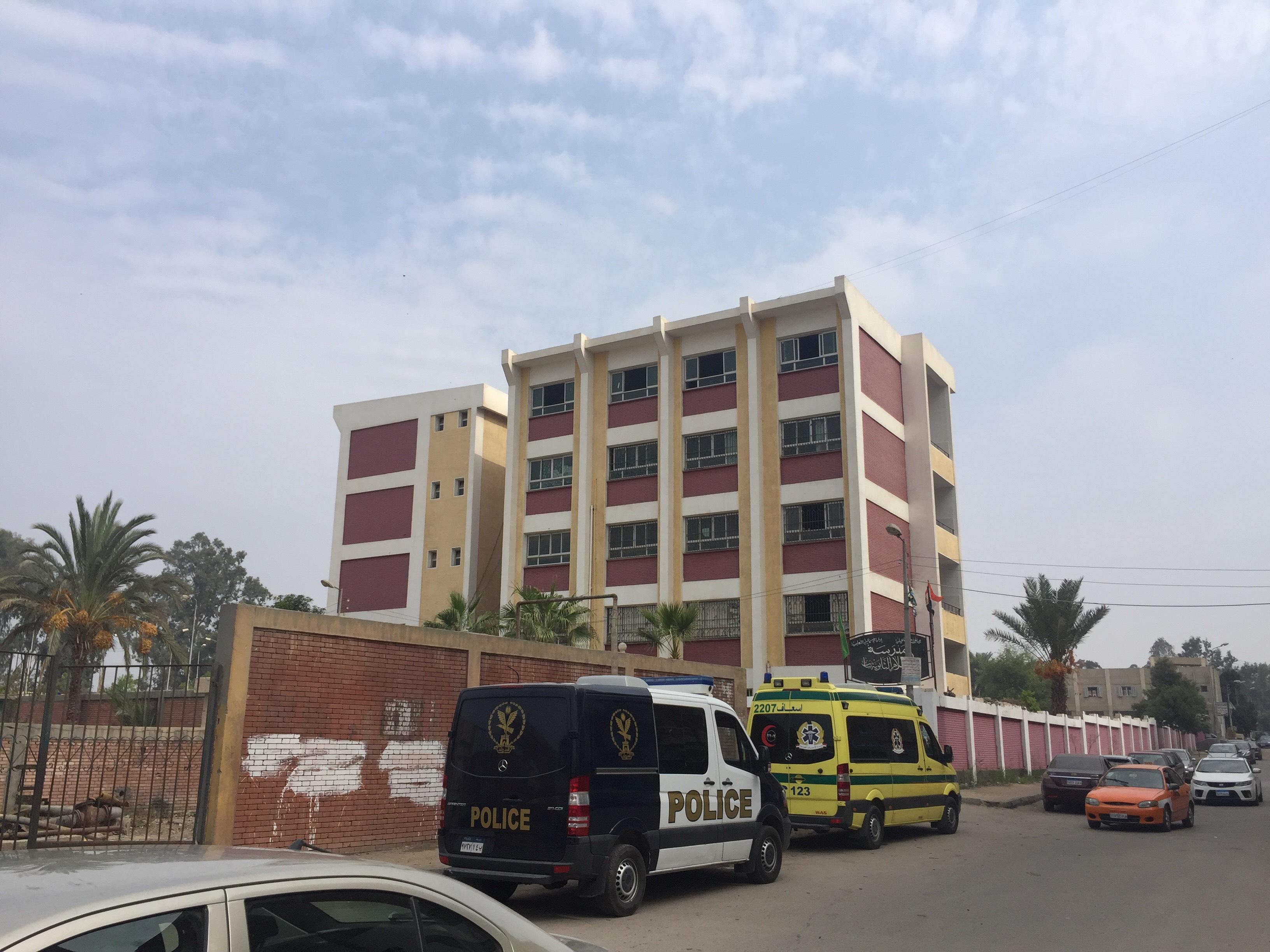 اختناق 36 طالبة بمدرسة السلام بالإسماعيلية (5)