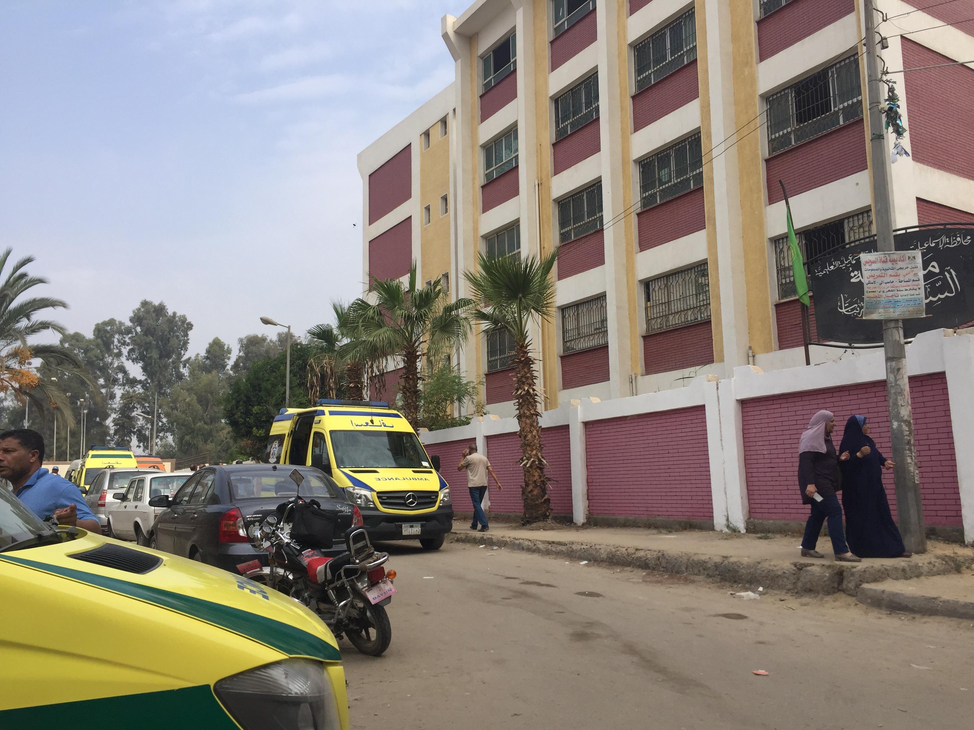 اختناق 36 طالبة بمدرسة السلام بالإسماعيلية (4)