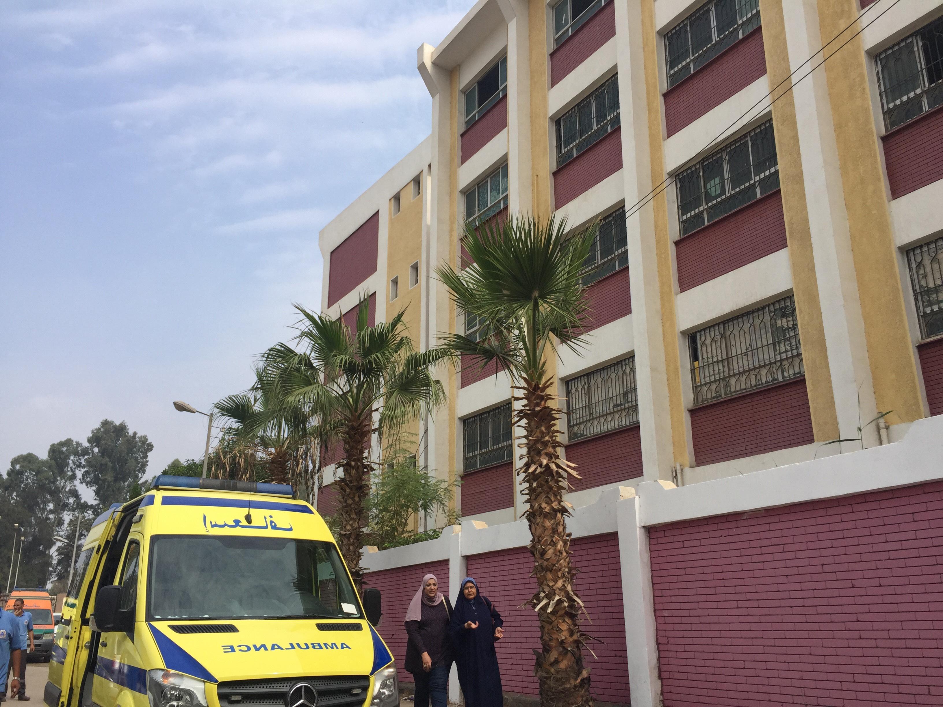 اختناق 36 طالبة بمدرسة السلام بالإسماعيلية (9)