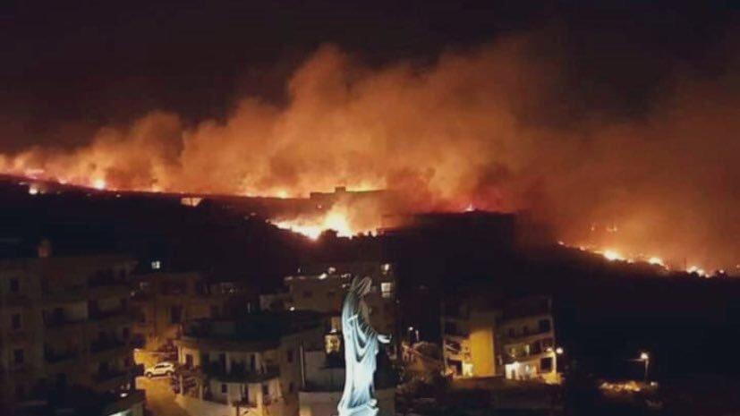 1- لبنان تحترق