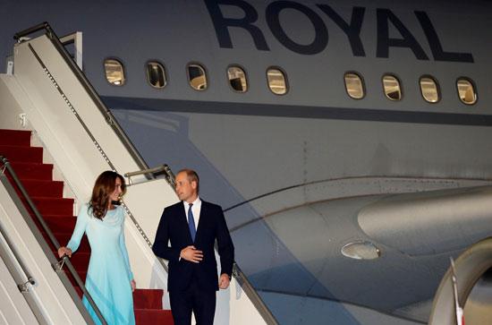 وصول الأمير وليام وزوجته لباكستان