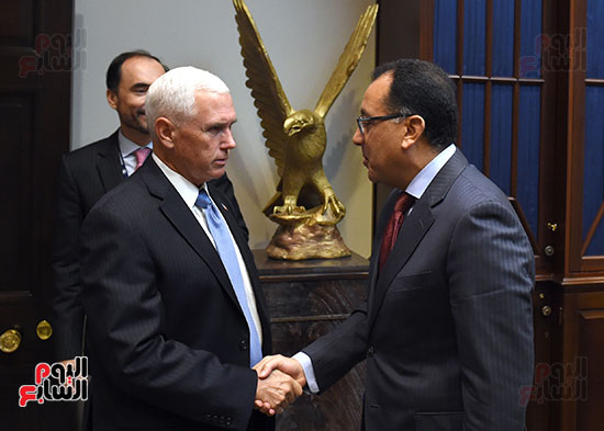 مصطفى مدبولى رئيس الوزراء مع مايك بنس نائب الرئيس الأمريكى (2)
