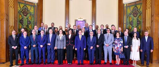 اجتماع السيسى مع وفدا من المستثمرين المصريين بالخارج (1)