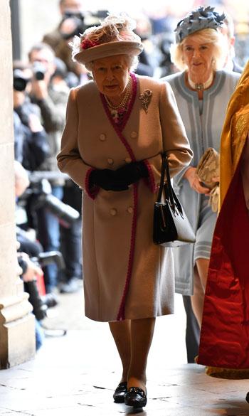 لحظة-دخول-الملكة-إليزابيث-للكاتدرائية