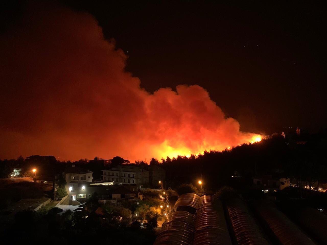 3- لبنان تحترق