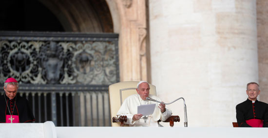 البابا-يلقى-كلمته-الأسبوعية