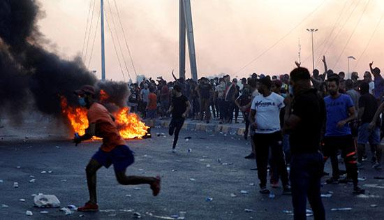 احتجاجات فى العراق بعد رفع قرار حظر التجوال