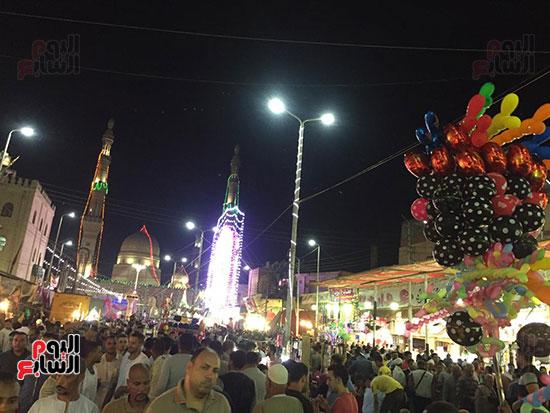 التوافد-على-شوارع-طنطا-للاحتفال-بمولد-السيد-البدوى-(2)