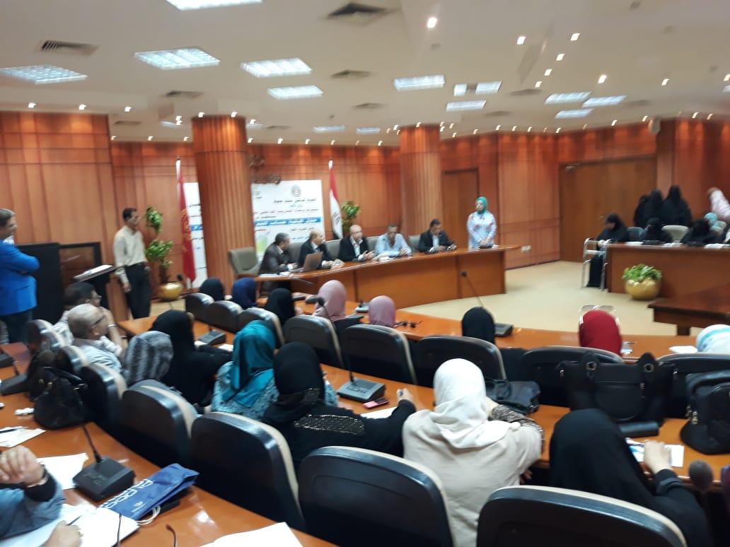 ورشة عمل للتوعية بحساب تطبيق الحد الأدنى للأجور فى بورسعيد (2)