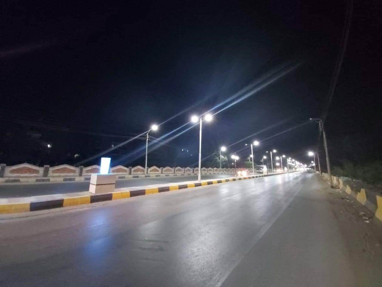 إنارة طريق السحارة بكشافات الليد ضمن مبادرة تطوير الشوارع (2)