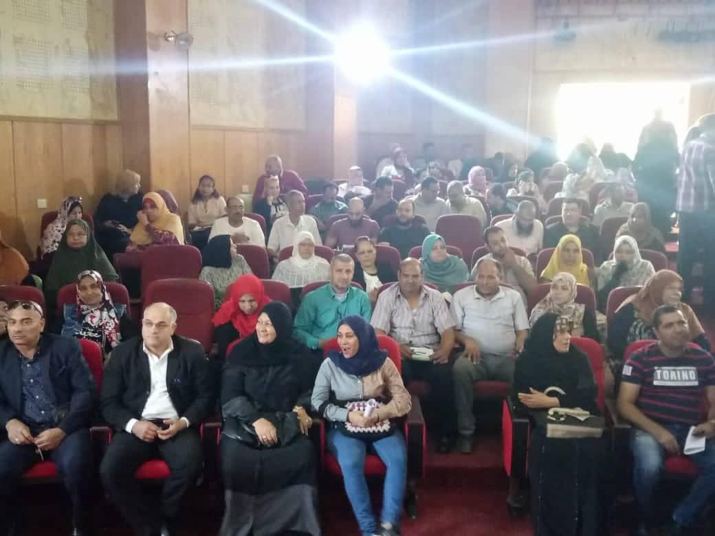 2- حانب من الحضور