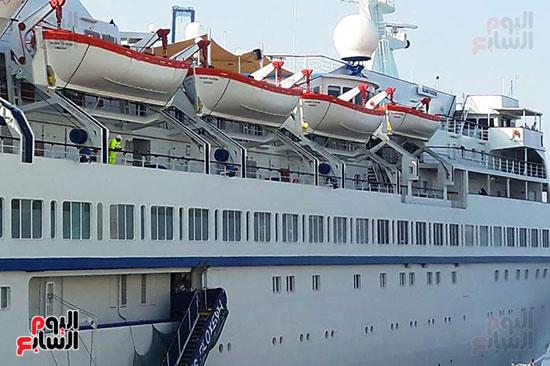 السفينة بعد مغادرة الفوج