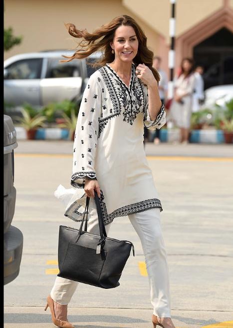 أزياء كيت ميدلتون