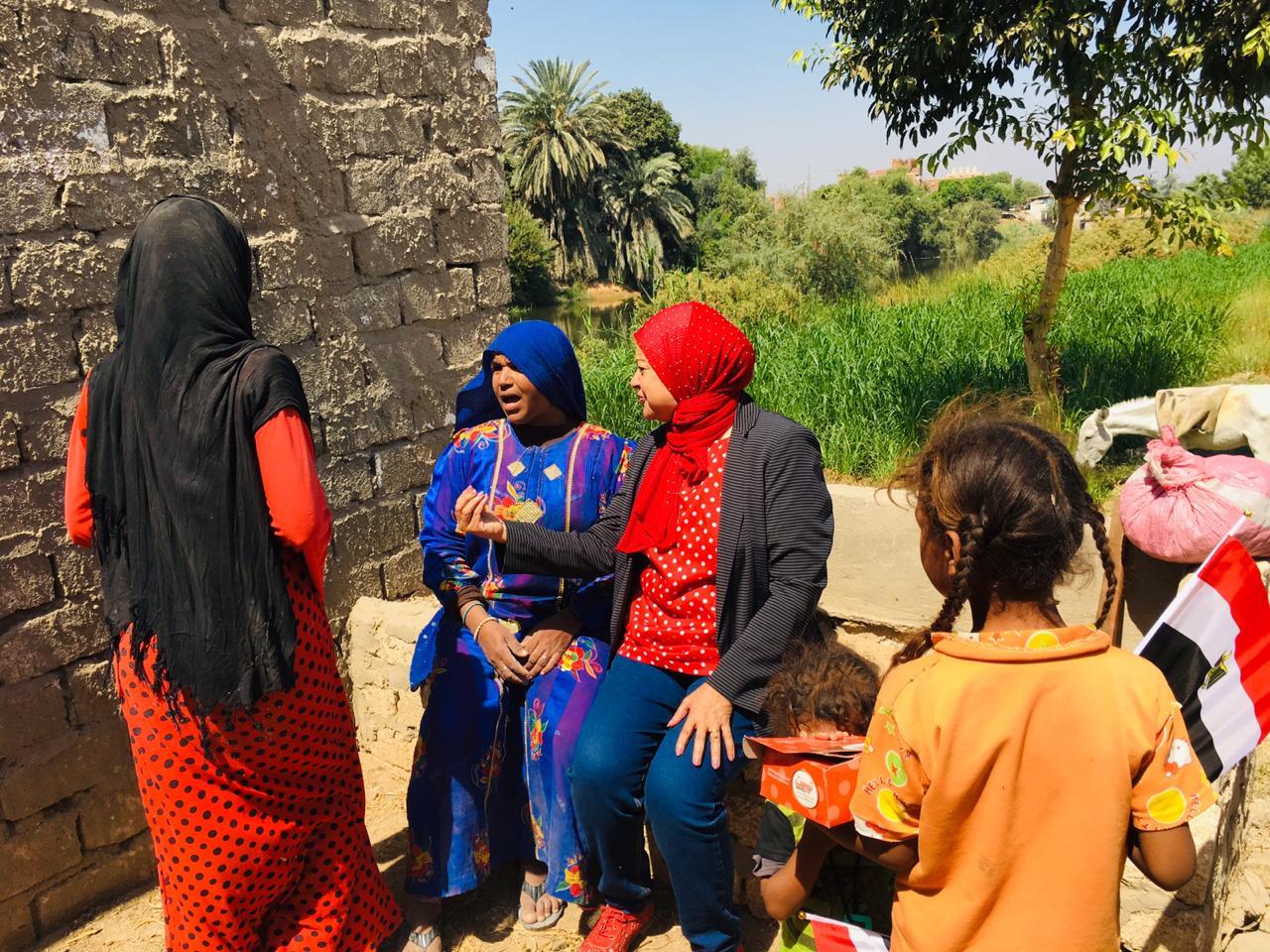 حملة المجلس القومى للمرأة لتوعية السيدات (2)