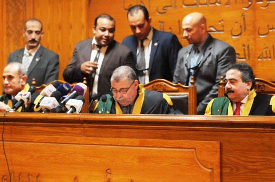 هيئة-المحكمة-برئاسة-المستشار-حسن-فريد-(3)