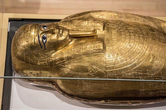 التابوت الذهبى للكاهن المصرى نجم عنخ
