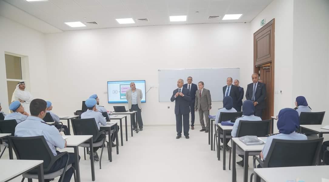 جلسة حوارية لإكاديمية العلوم والتكنولوجيا بالشارقة (1)