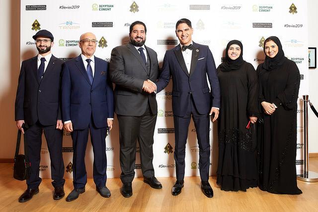 التقاط الصور مع رجل الأعمال أحمد أبو هشيمة بعد الحفل