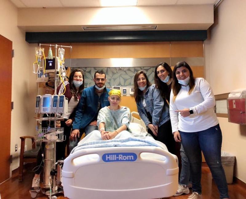 ميشيل حجل فى المستشفى مع أهلها