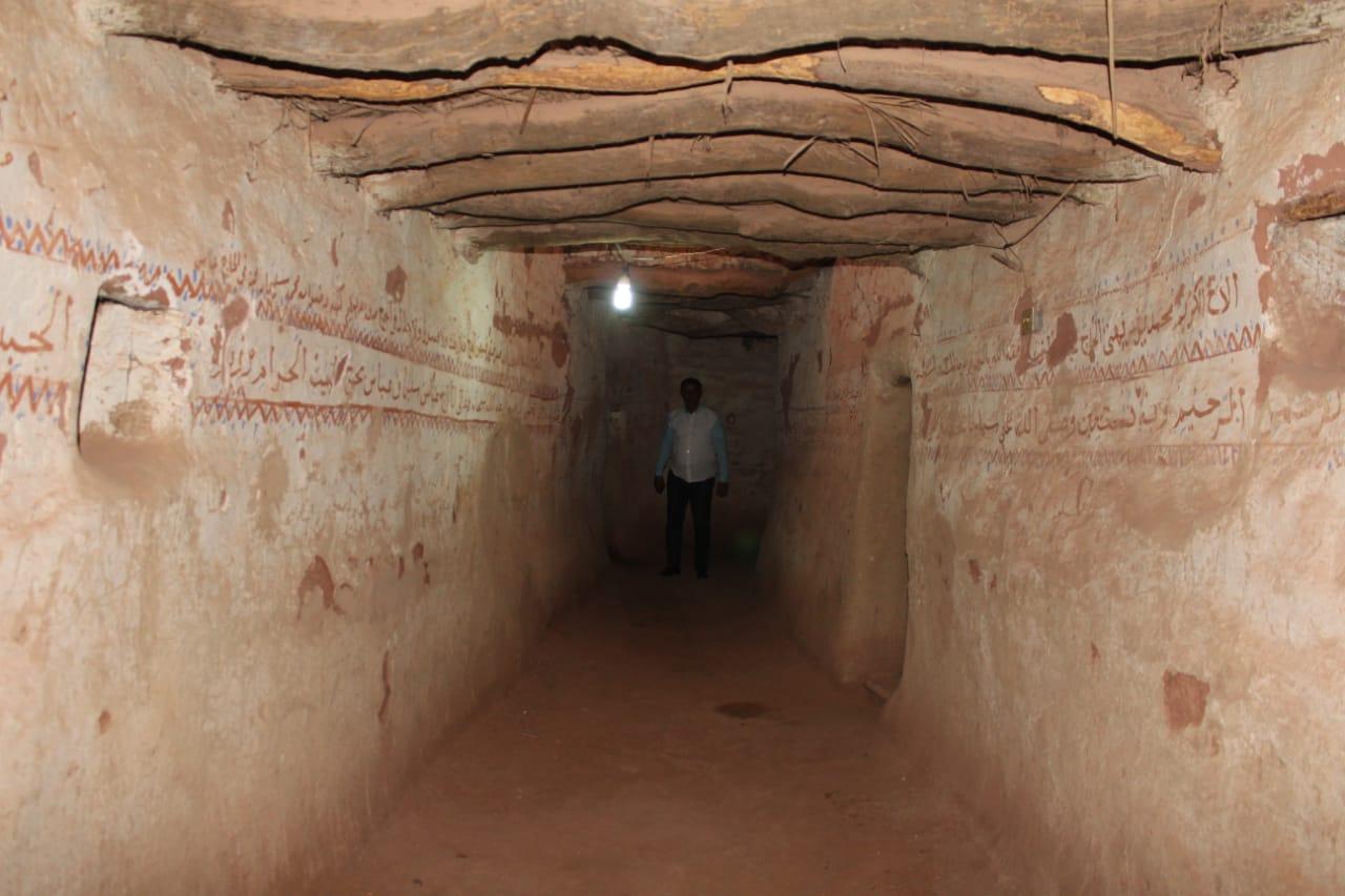 جانب من العمل داخل مدينة بلاط الأثرية (5)