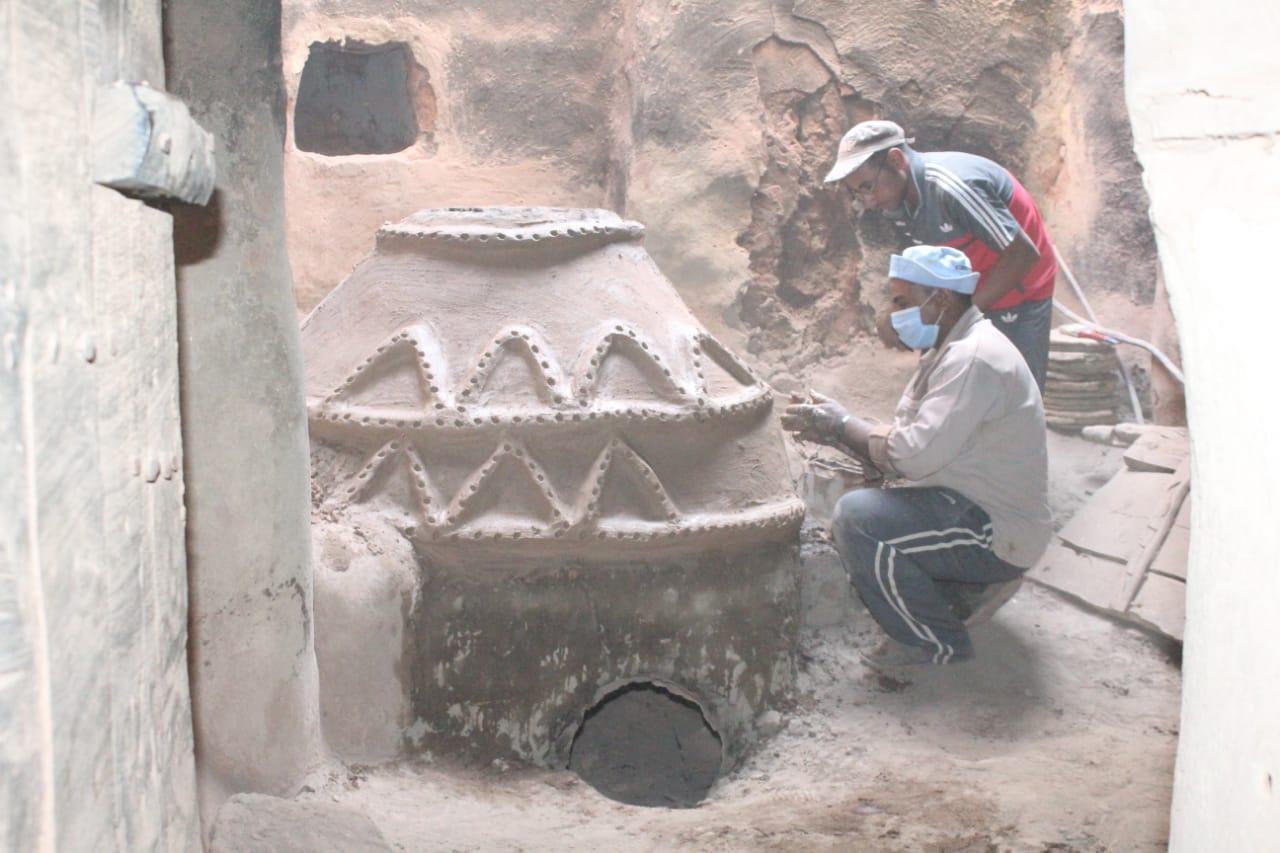 جانب من العمل داخل مدينة بلاط الأثرية (1)