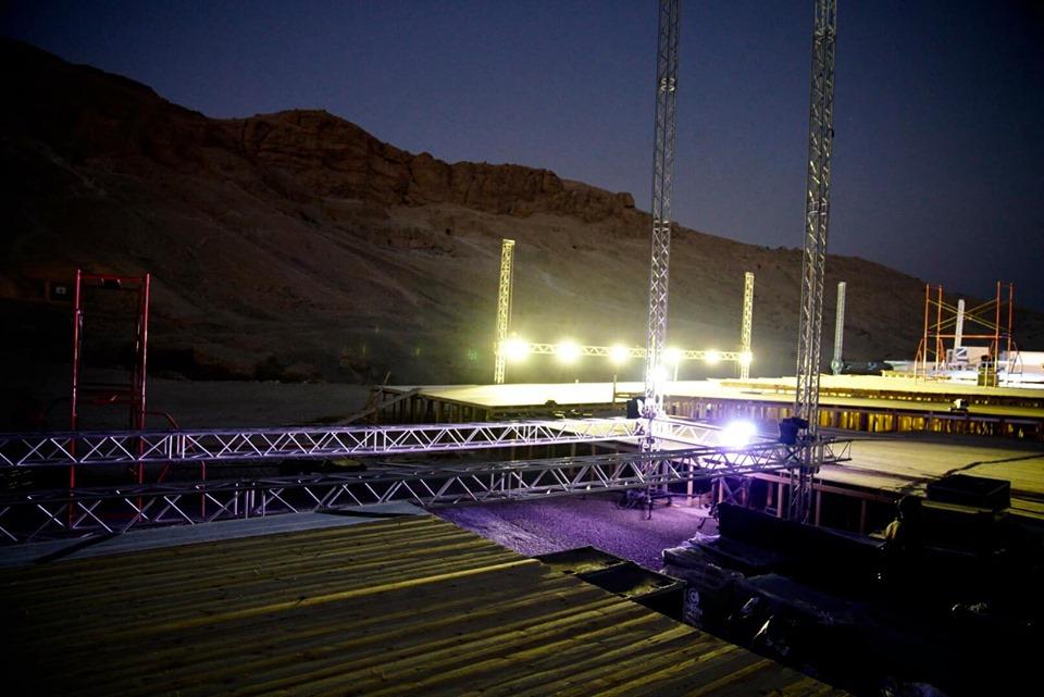 شاهد مسرح أوبرا عايدة يقترب من اللمسات النهائية قبل 4 أيام علي بدء العروض بالأقصر (4)