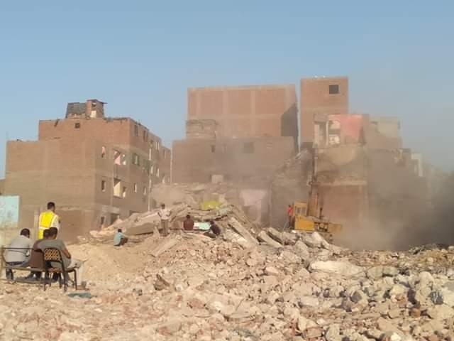 إخلاء 34 عقار ومحل بعزبة المدابغ بالقاهرة  (6)