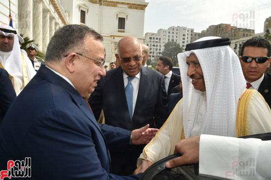 رئيس وزراء الكويت يصل البرلمان