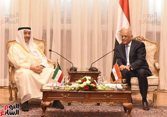 جلسة مباحثات بين رئيس البرلمان ورئيس الوزراء الكويتى