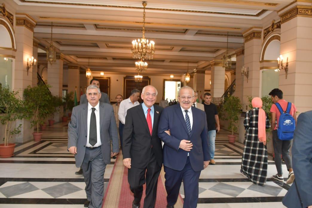 ندوة جامعة القاهرة للدكتور فاروق الباز (5)