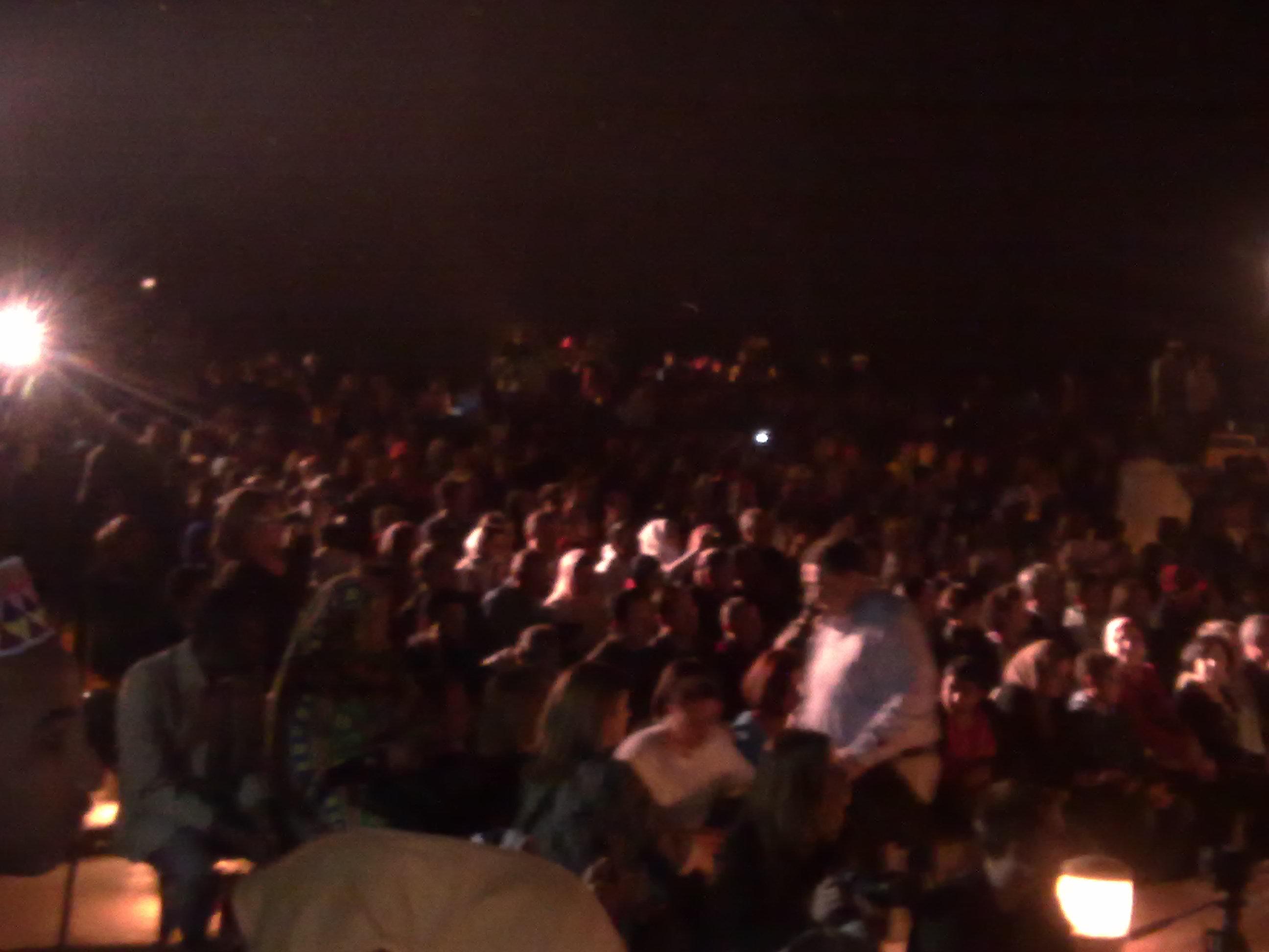 الحضور يتابع عروض الصوت والضوء