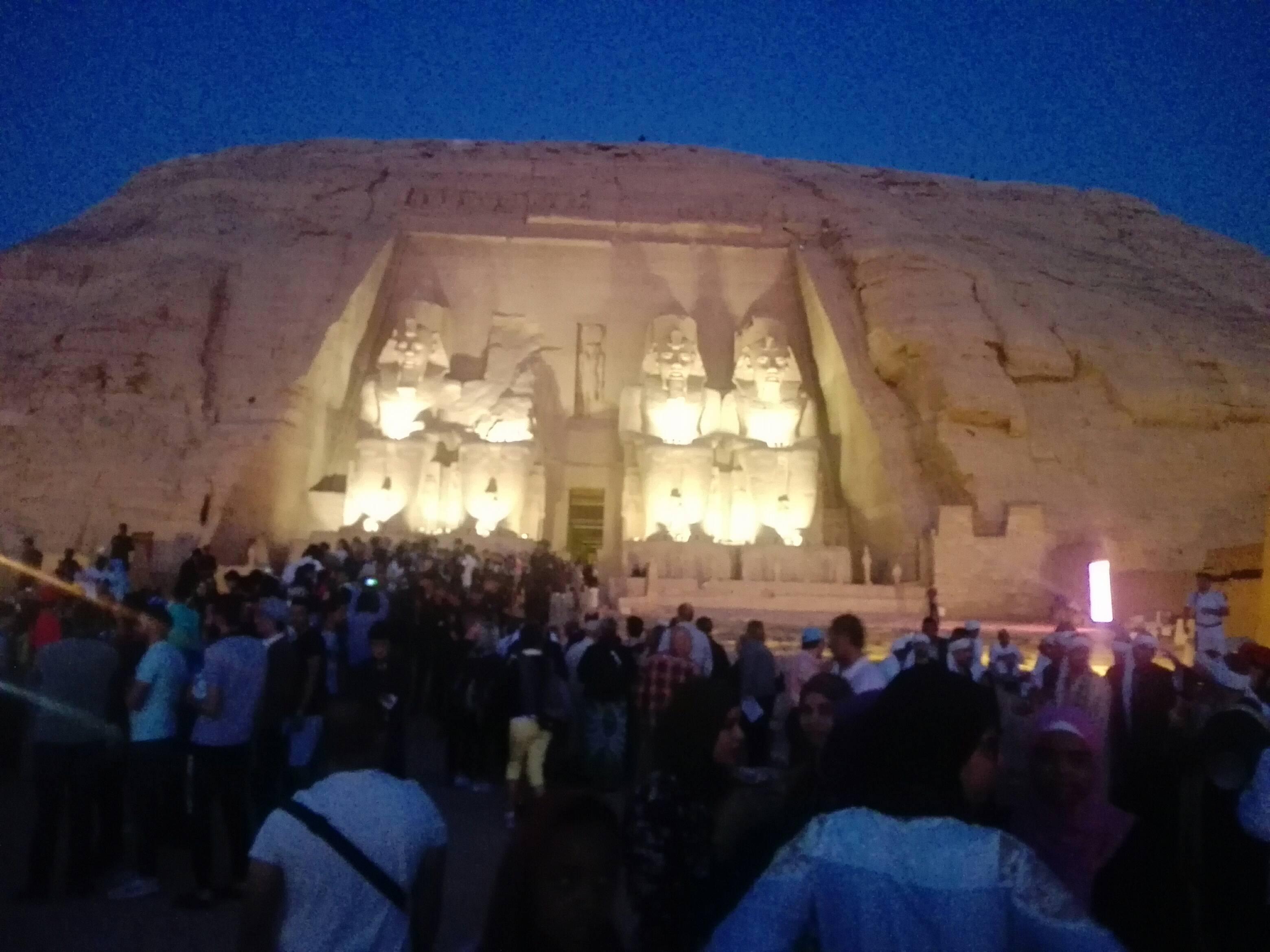 معبد أبوسمبل قبل الشروق