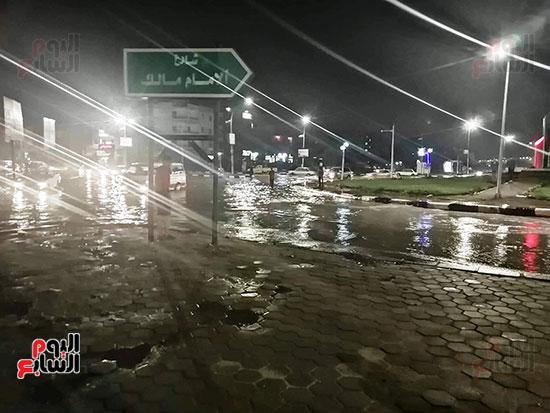 12 صورة ترصد غرق شوارع مدينة العاشر من رمضان فى شبر ميه اليوم السابع