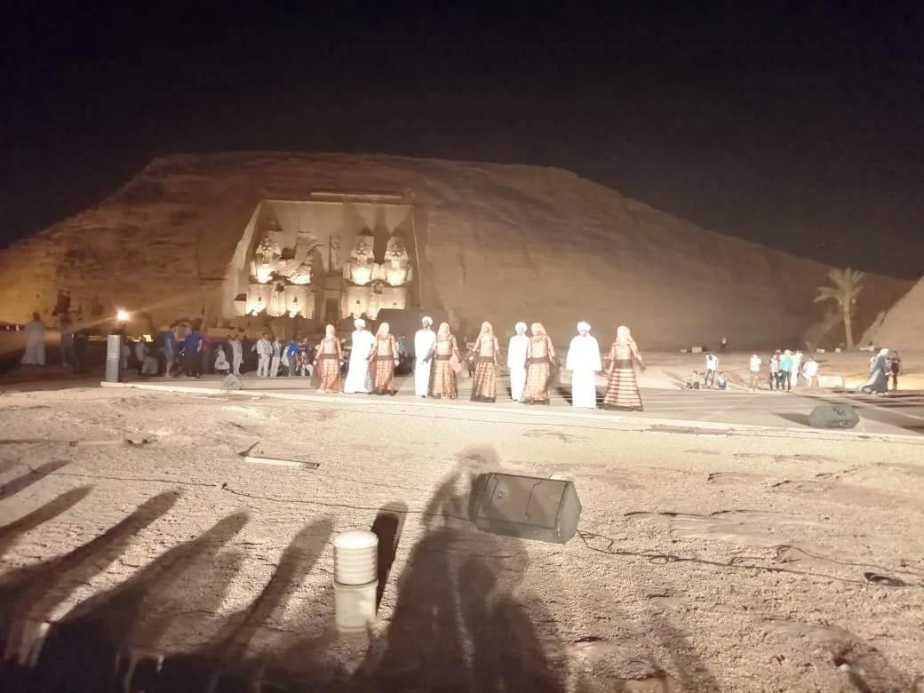 ساحة معبد أبوسمبل