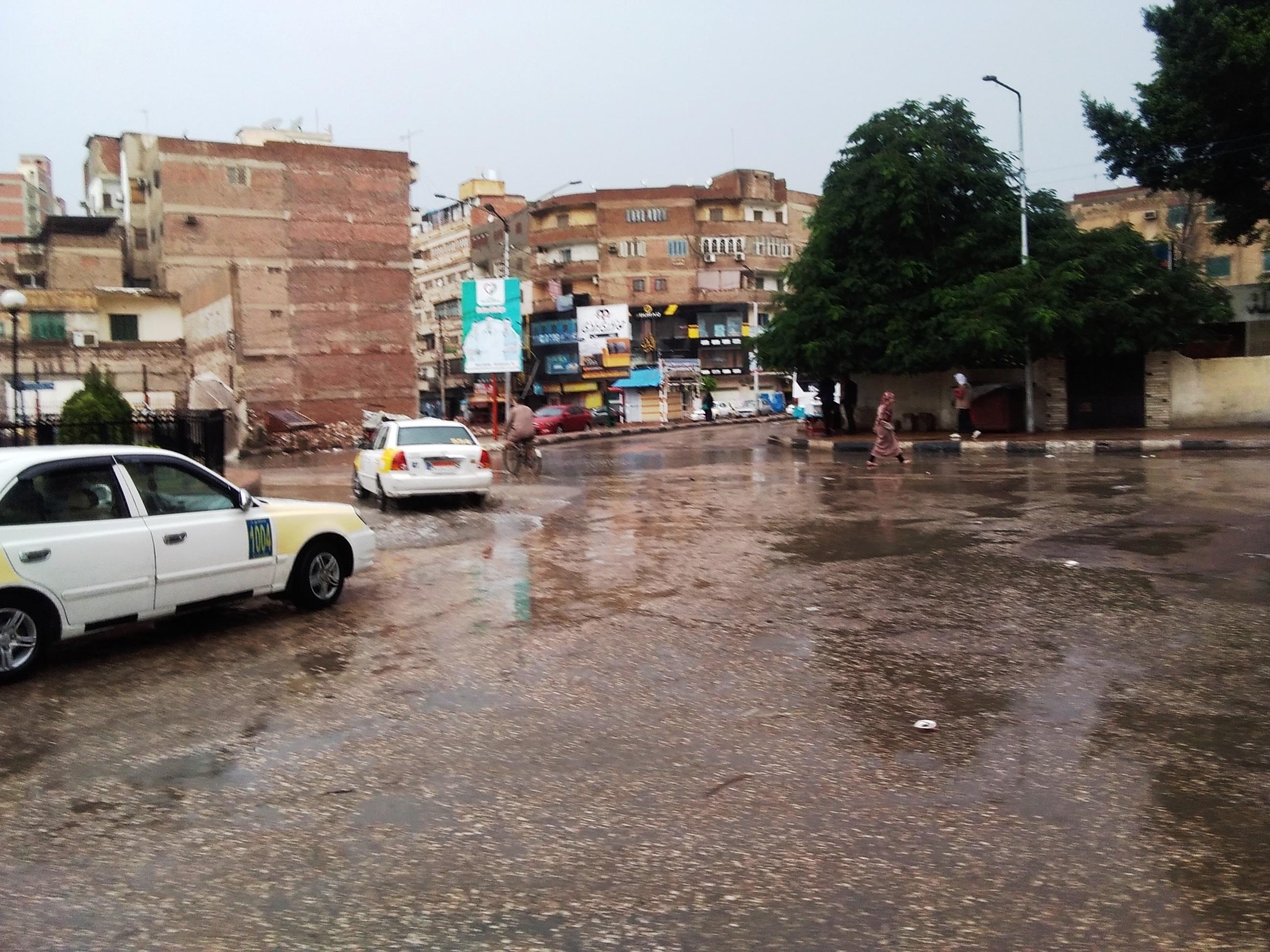 صور.. هطول أمطار رعدية بكفر الشيخ.. والمحافظ يعلن حالة الطوارئ (3)