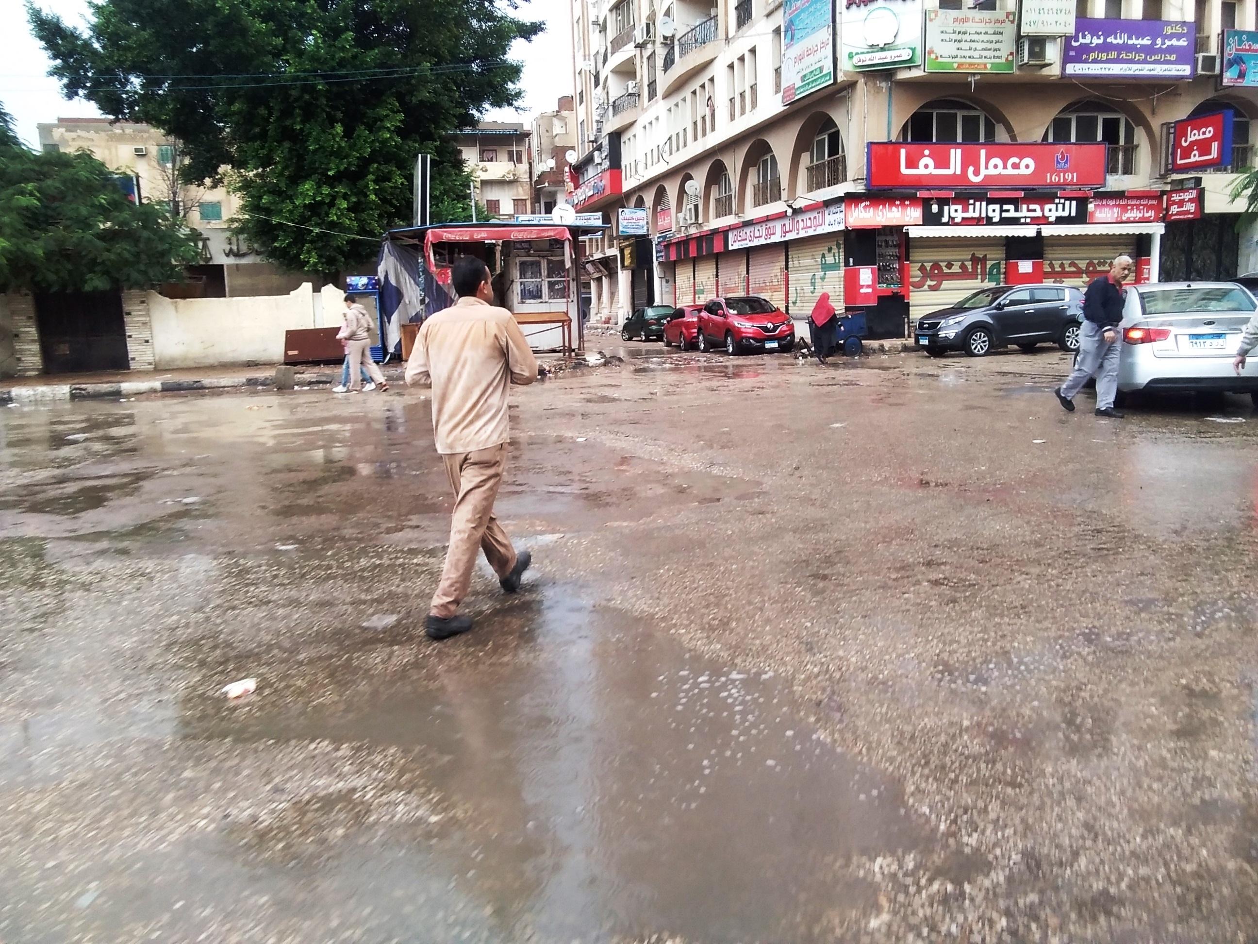 صور.. هطول أمطار رعدية بكفر الشيخ.. والمحافظ يعلن حالة الطوارئ (2)