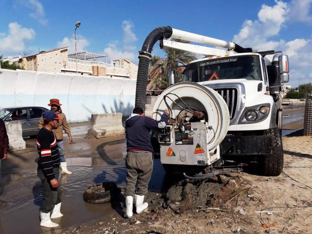 طوارئ بشمال سيناء بسبب الأمطار..والمحافظة تدفع بمعدات لسحب المياه من الشوارع (1)