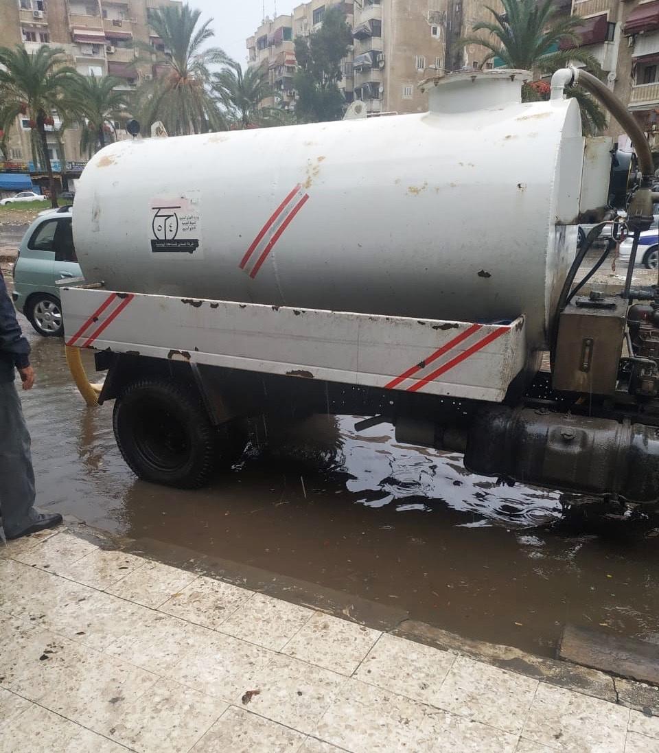 رفع مياه الأمطار ببورسعيد (4)