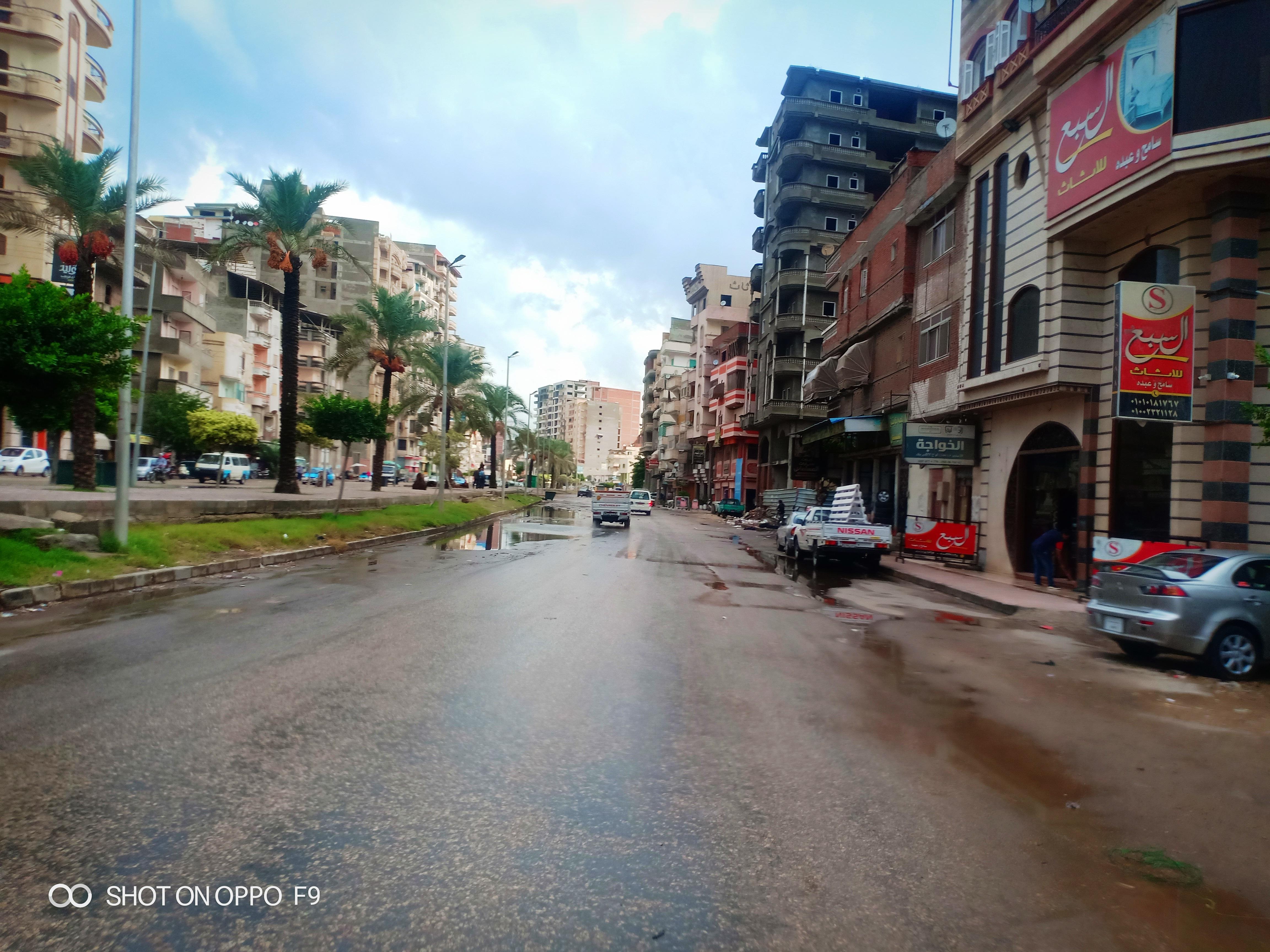 الأمطار الغزيرة تغرق شوارع دمياط (2)