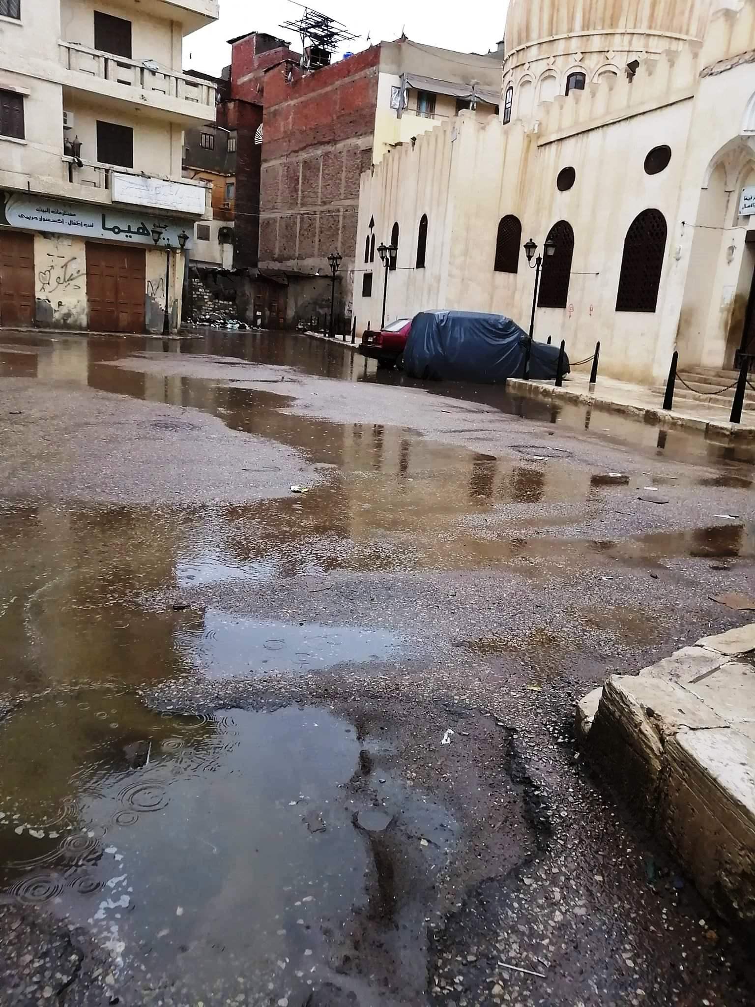 مياه الأمطار تحاصر المدارس وتغرق شوارع فارسكور بدمياط (5)