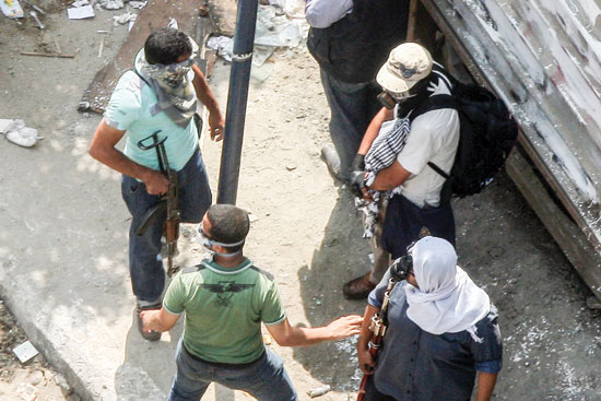 الاخوان-يحملون-الاسلحة-بمصطفى-محمود-تصوير-عصام-الشامى-14-8-2013-(14)