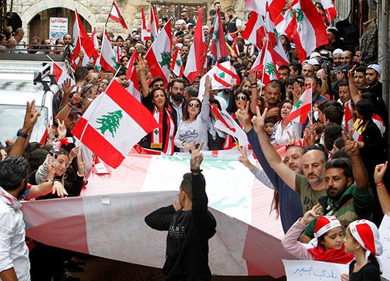 مسيرة-لبنانية-عقب-صلاة-الجمعة