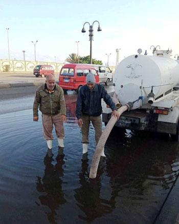 الأمطار-تغرق-المحافظات-وإغلاق-الموانئ-فى-الإسكندرية-وكفر-الشيخ-(6)