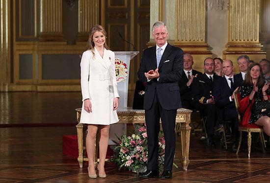 الملك فليب وابنته الأميرة إليزابيث