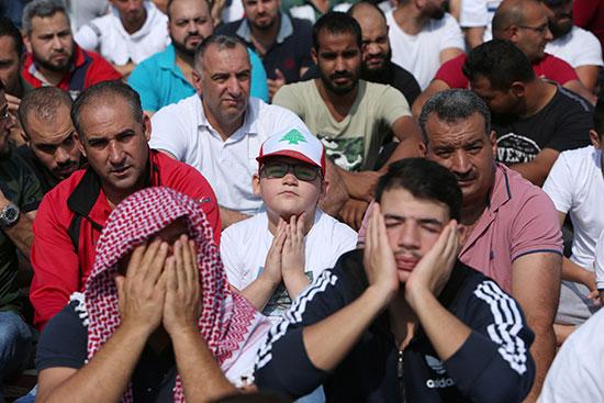 ابتهالات-المتظاهرين-بعد-صلاة-الجمعة