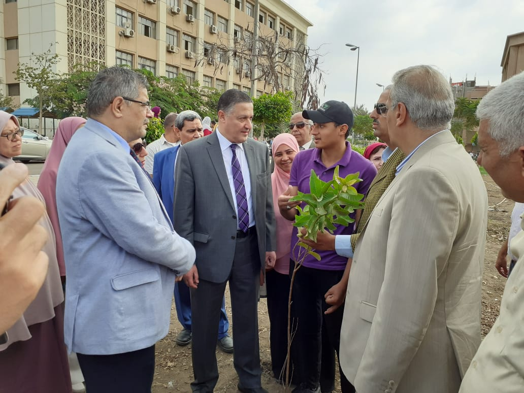 تدشين مبادرة هنجملها بكلية التربية جامعة بنها لزراعة 2500 شجرة (1)