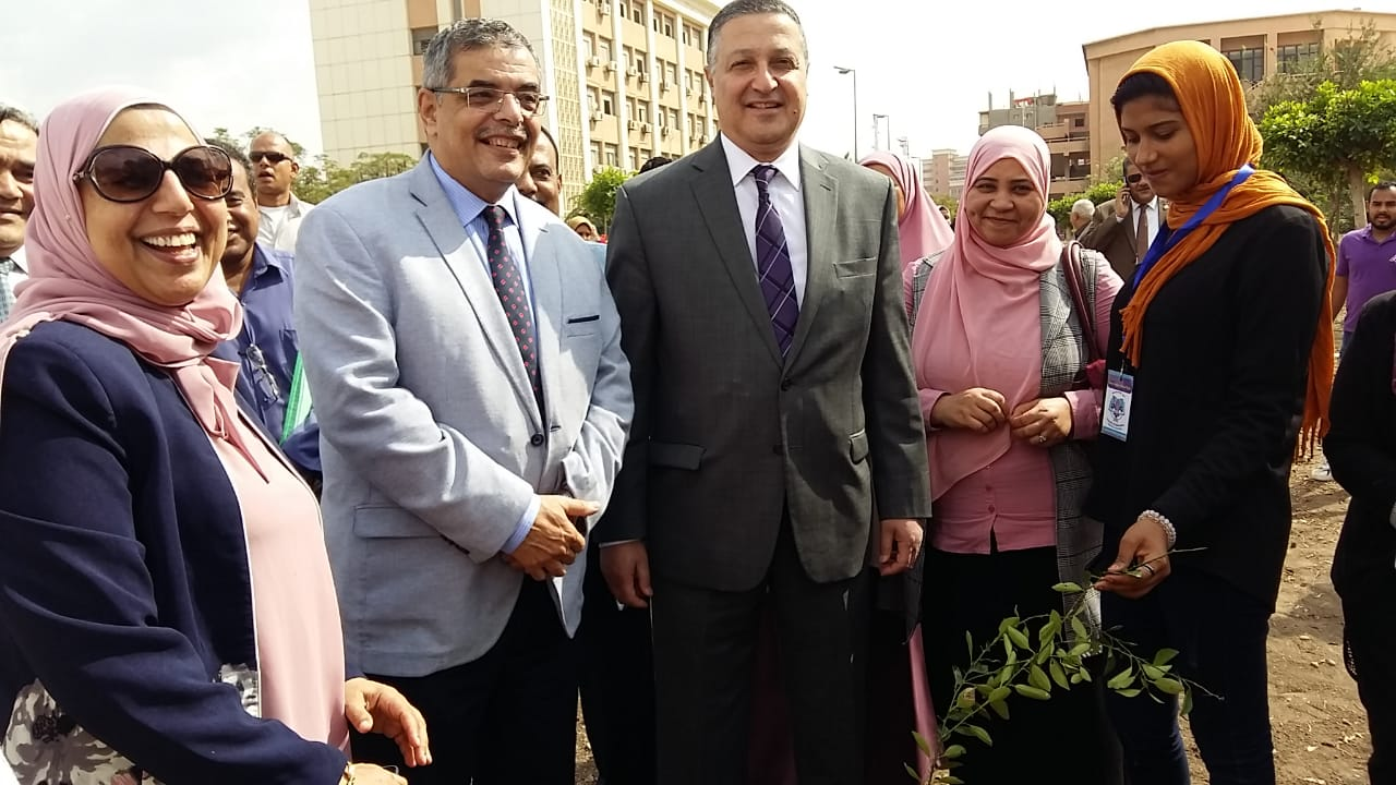 تدشين مبادرة هنجملها بكلية التربية جامعة بنها لزراعة 2500 شجرة (4)