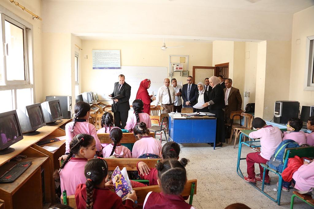 رئيس جودة التعليم والاعتماد تتفقد المدارس المعتمدة فى 8 محافظات (2)