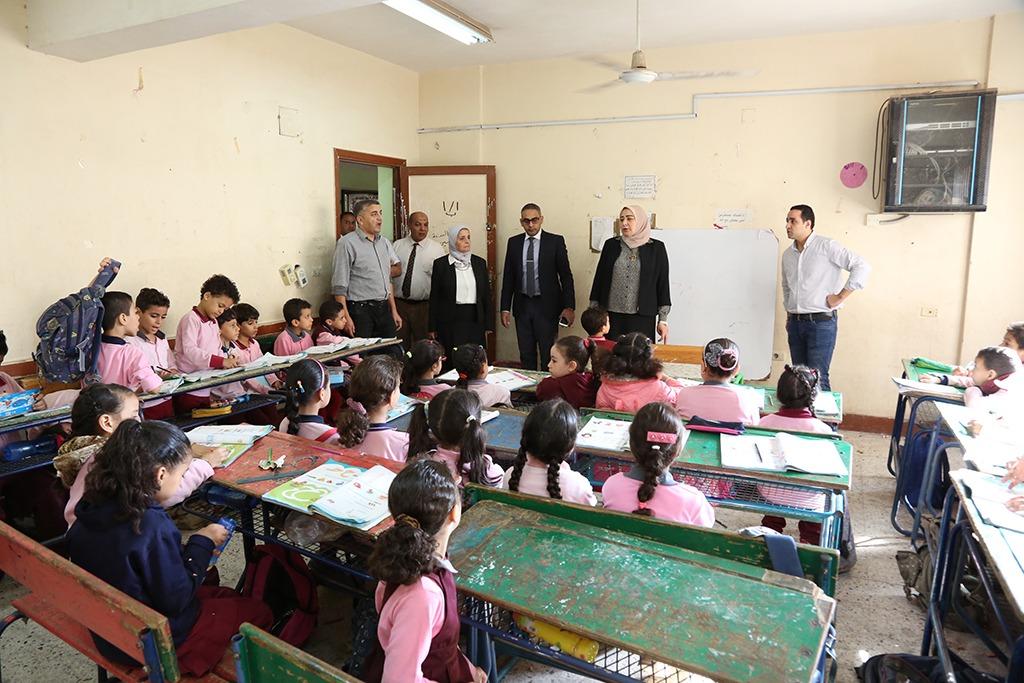 رئيس جودة التعليم والاعتماد تتفقد المدارس المعتمدة فى 8 محافظات (1)
